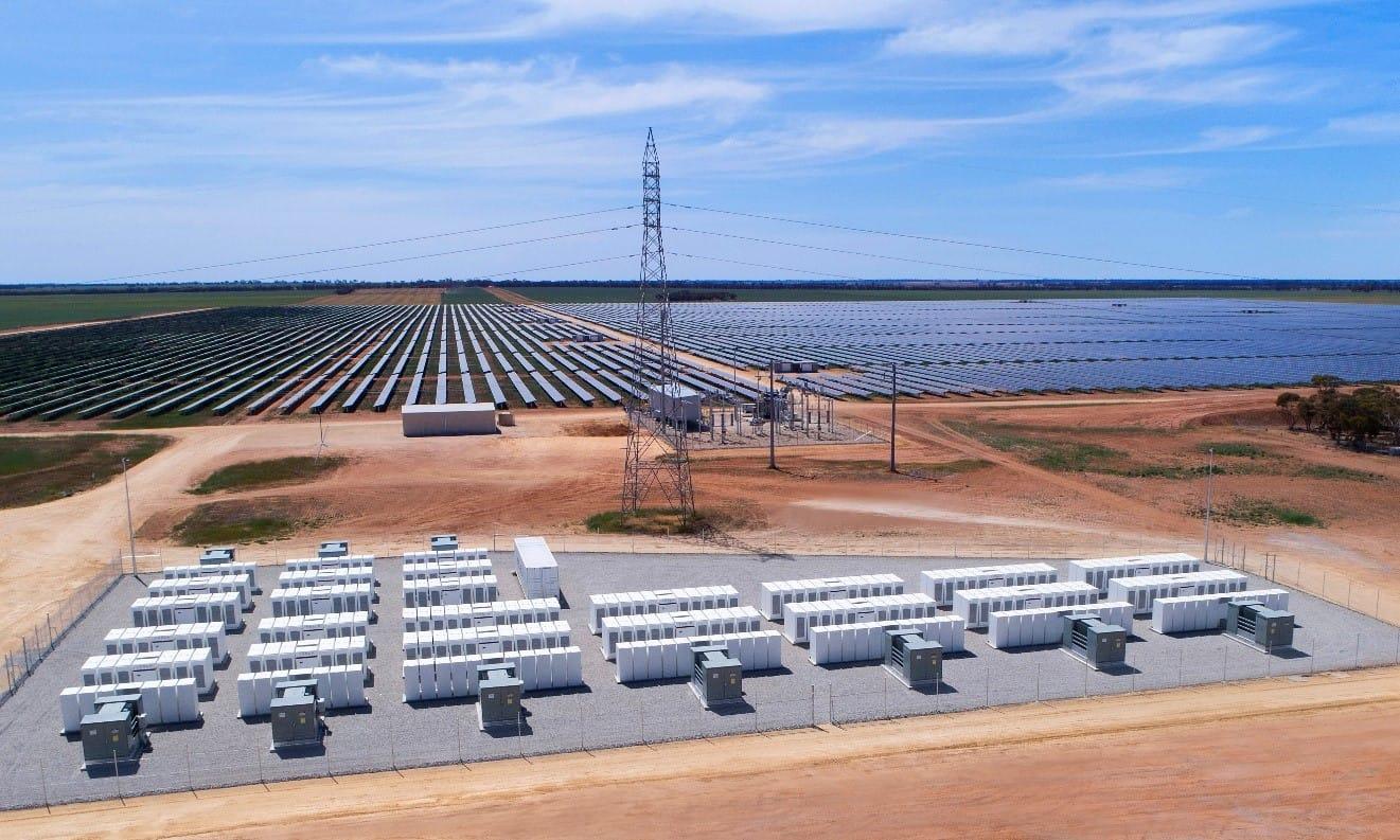 Site image of the Gannawarra Solar and Battery Farm